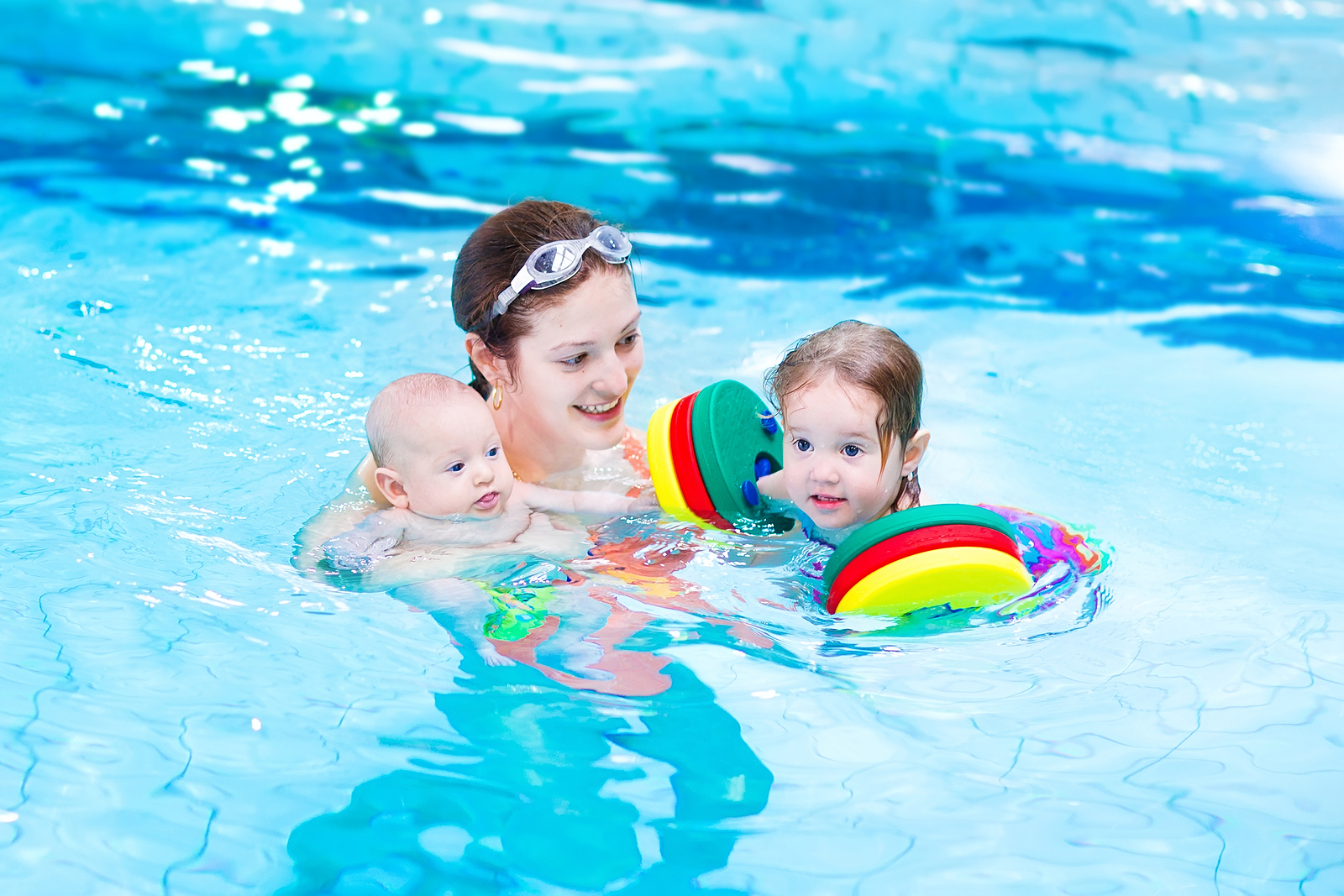 5 Benefits of Swimming Lessons for Toddlers